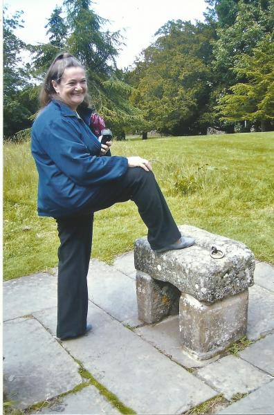 Pložaj nogu kakav su imali škotski kraljevi prigodom krunidbe