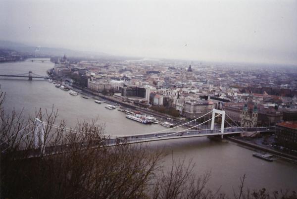 Pogled na Budimpeštu sa Citadele