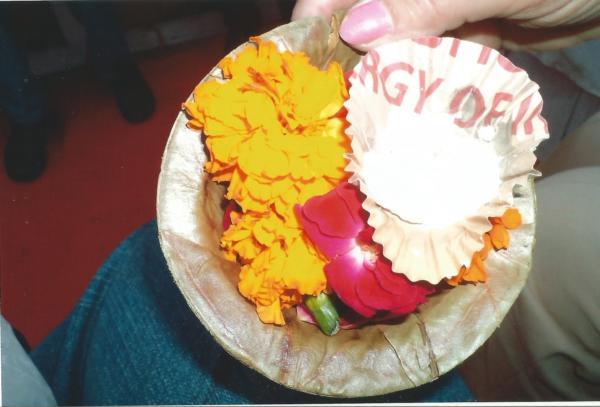 Cvijeće koje se baca u sv. rijeku Ganges