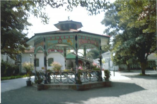 Yogyakarta -dvorište Sultanove palače iz 18. st.