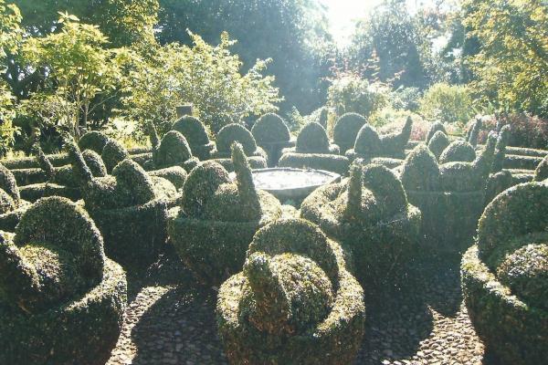 Interesantno uređena fontana u botaničkom vrtu u Funschalu