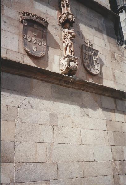 BRAGA-grb Portugala u kojem je prikazano 5 Kristovih rana