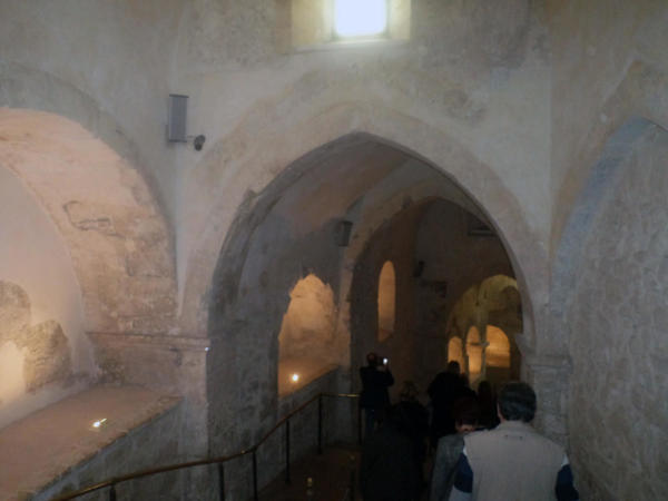Ulaz u crkvu u špilji