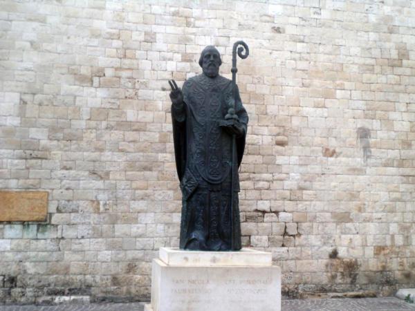 Spomenik Sv. Nikoli