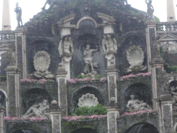Vrtovi i fontane dvorca Isolabella.