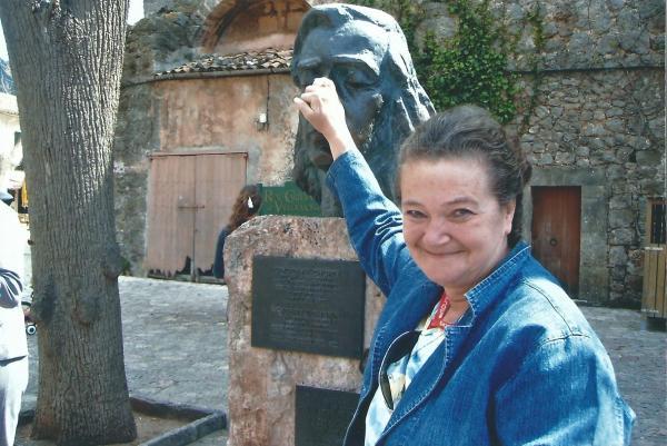 Vall de Mosa-spomenik Schopenu-dodirnuti nos =biti uvijek zdrav