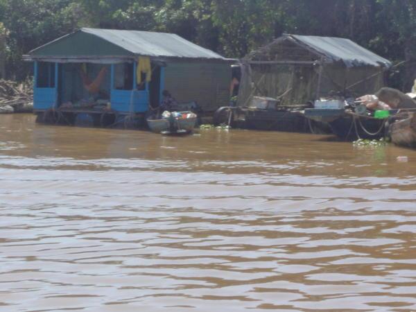 Život na jezeru Tonl Sap.